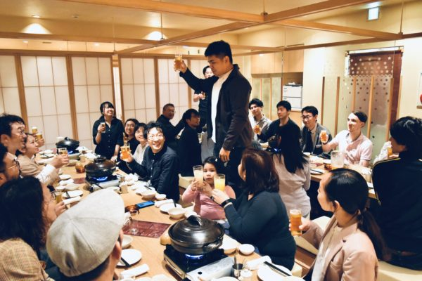 フィリピンチームの社員とともに全社会議を実施しました